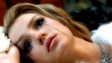 Cena do clipe de 'Lucky': sorrisos em público, lágrimas no privado