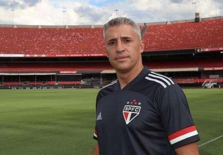 Crespo foi apresentado como técnico do São Paulo