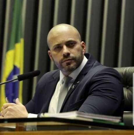 Daniel Silveira foi preso na noite desta terça-feira (16) sob ordem do ministro Alexandre de Moraes