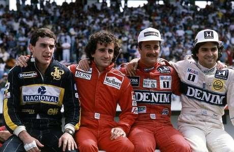 Ayrton Senna, Alain Prost, Nigel Mansell e Nelson Piquet em famosa foto antes do GP de Portugal de 1986