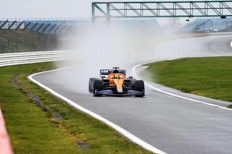 Lando Norris andou com o novo carro da McLaren