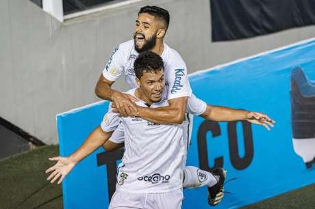 Santos empata com Fluminense e garante vaga na Libertadores