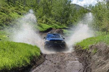 Um dos destaques da nova geração do Mercedes GLS é a sua capacidade off-road aprimorada.