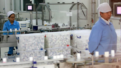 Atualmente, a maioria dos produtos farmacêuticos é produzido em dois países: China e Índia