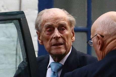 Príncipe Philip deixa hospital King Edward VII em Londres 24/12/2019 REUTERS/Hannah McKay