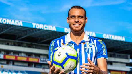 Pedro Castro pelo Avaí (Foto: André Palma Ribeiro/Avaí F.C)