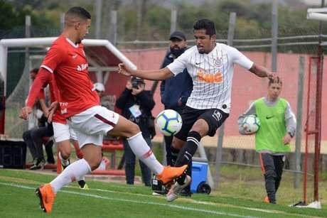 Rael passou pelo sub-20 do Corinthians entre 2018 e 2019 e agora vai ao Cianorte (Foto: Divulgação/Ag. Corinthians)
