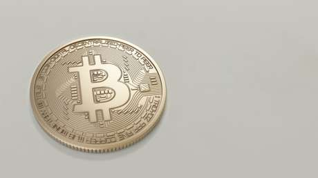 Bitcoin supera R$ 300 mil