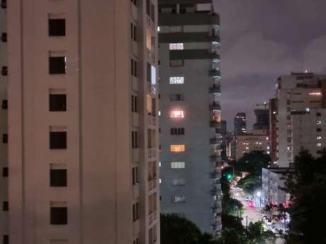Foto com câmera traseira do Galaxy S21 em 3x e modo noturno