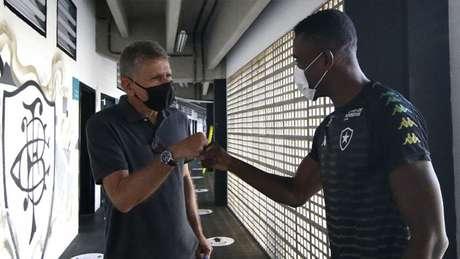 Paulo Autuori e Salomon Kalou (Foto: Vitor Silva/Botafogo)