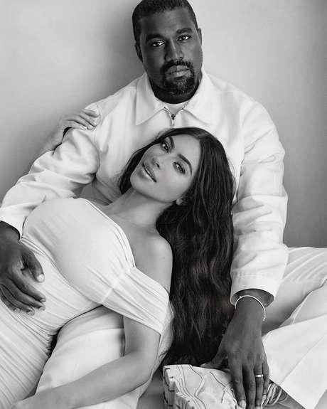 Kim Kardashian pede divórcio de Kanye West