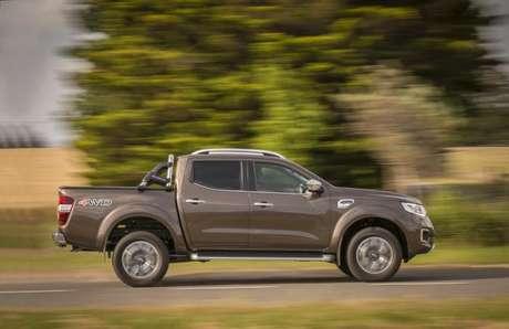 Renault Alaskan é vendias apenas com cabine dupla e tem seis versões com câmbio manual.