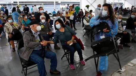 O Chile começou sua campanha de vacinação em massa no dia 03 de fevereiro