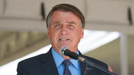 Na sexta-feira (19/02), Bolsonaro comunicou através das redes sociais a decisão de substituir o atual presidente da Petrobras, Roberto Castello Branco, pelo general Joaquim Silva e Luna, hoje presidente de Itaipu