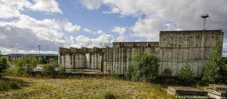 Ruínas da usina nuclear de Zarnowiec. Construção foi suspensa após acidente de Chernobyl