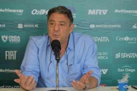Salum ficou no Coelho de 2018 a 2020 e conseguiu levar o clube de volta à Série A do Brasileiro-(Estevão Germano/América-MG)