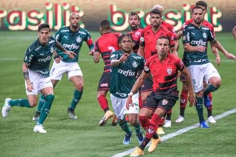 Em jogo com golaços, Palmeiras e Atlético-GO empatam no Allianz Parque