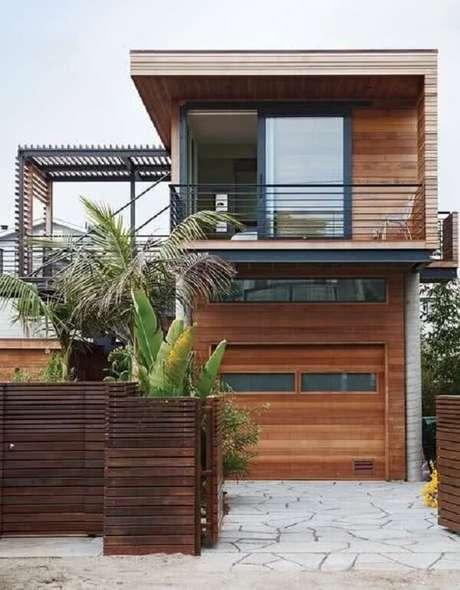 4. Modelo de muro de frente de casa feito com madeira. Fonte: Revista Viva Decora