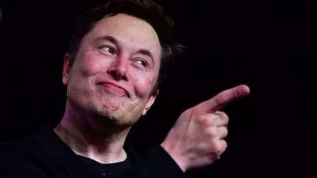 Desde seu pico, o valor dos papéis do conglomerado de Musk acumula uma queda de mais de 20%
