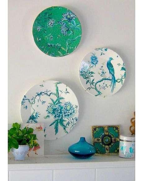 31. Pratos de porcelana verde e azul – Via: Flickr