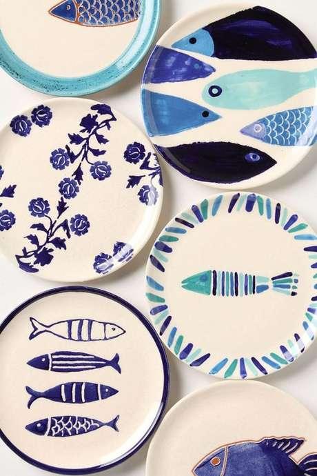 19. Pratos de porcelana estampados – Via: Hanny Stam