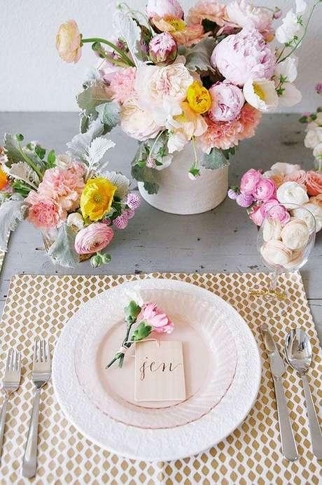 2. Mesa de jantar romântica – Via: Pinterest