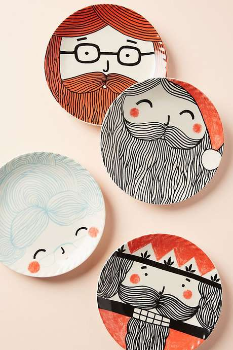 18. Pratos de porcelana temáticos para o natal – Via: Sher She Goes