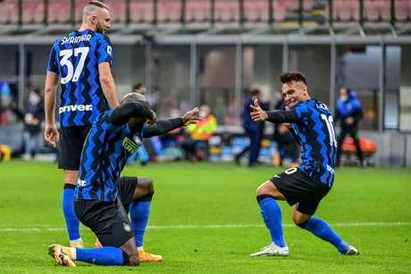 Lukaku e Lautaro Martínez são os principais nomes da Inter de Milão (Foto: MIGUEL MEDINA / AFP)