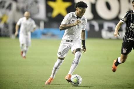 Marinho em ação pelo Santos. Jogador reclamou de pênalti marcado contra o Botafogo (Twitter/Santos FC)