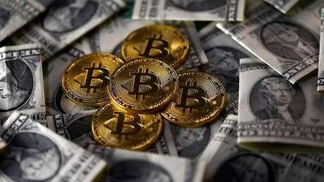 Os críticos argumentam que o Bitcoin se configura menos como uma moeda e mais como uma ferramenta de negociação especulativa que está aberta à manipulação do mercado.