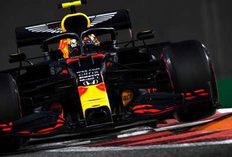 4°) Alexander Albon – 7.5 – Finalmente se portou como um bom segundo piloto. Não foi ao pódio, mas andou bem e chegou até mesmo a flertar com uma briga com ninguém menos que Hamilton nas voltas finais. Pena que talvez já seja tarde demais, com a vaga na Red Bull em vias de ficar com Pérez… (