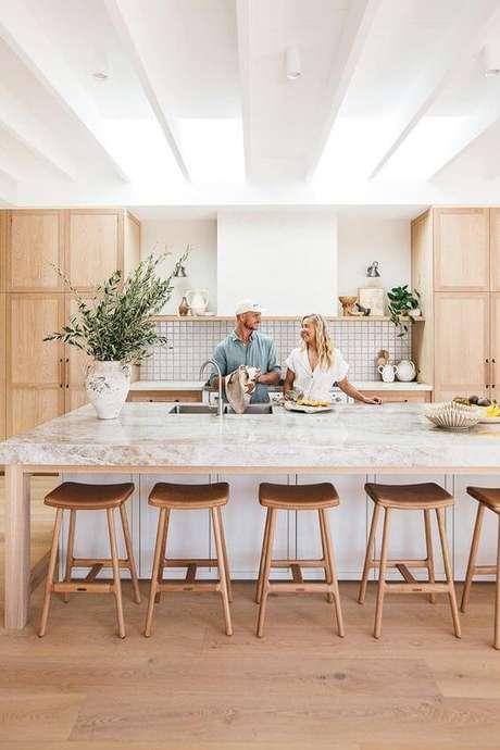 5. Bancada de cozinha em granito branco – Via: Homes to Love U