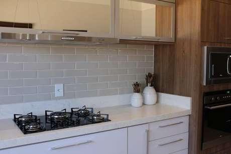 43. Bancada de cozinha em granito – Via: Revista Vd