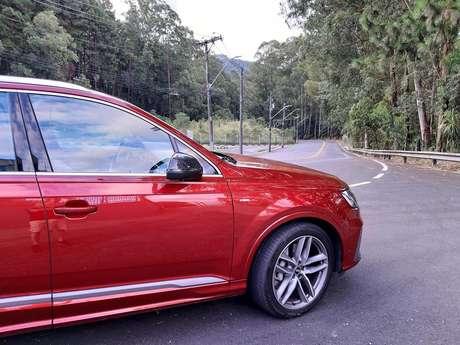"""Novo Audi Q7 tem motor 3.0 V6 de 340 cv e bonitas rodas de 21""""."""