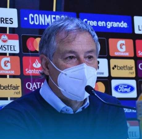 Ariel Holan deve começar a trabalhar no Santos na próxima semana (Foto: Divulgação/Instagram/U. Católica)