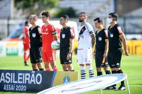 Jogo entre Vasco e Internacional foi marcado por lance polêmico envolvendo o VAR (Ricardo Duarte/SC Internacional)