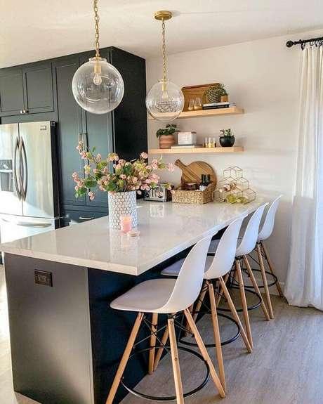19. Bancada de cozinha em granito branco – Via: InMod