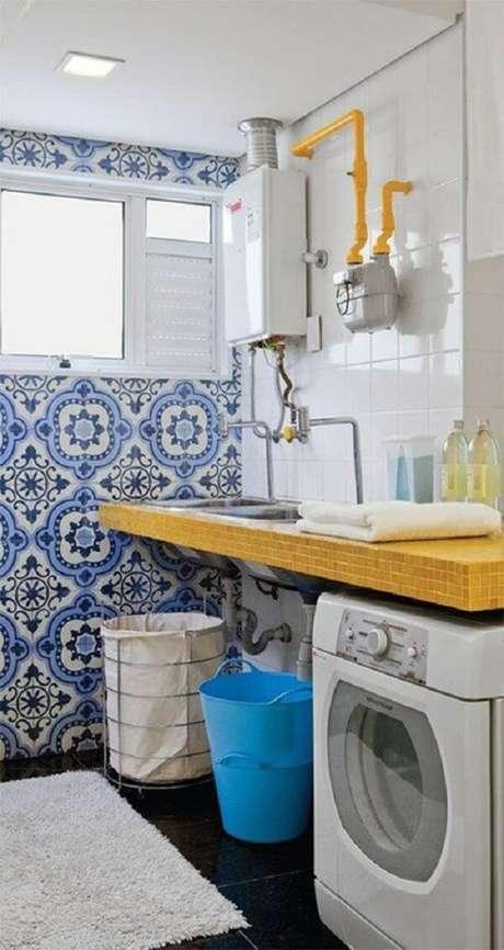41. Revestimento para lavanderia feito com ladrilhos coloridos. Fonte: Pinterst