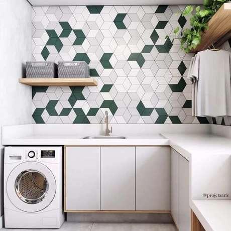 29. O revestimento geométrico para lavanderia decora de forma graciosa o espaço. Fonte: Projetaarte