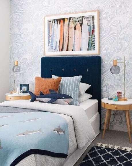 61. Decoração de quarto para criança menino azul e cinza com cabeceira estofada – Foto: Pinterest