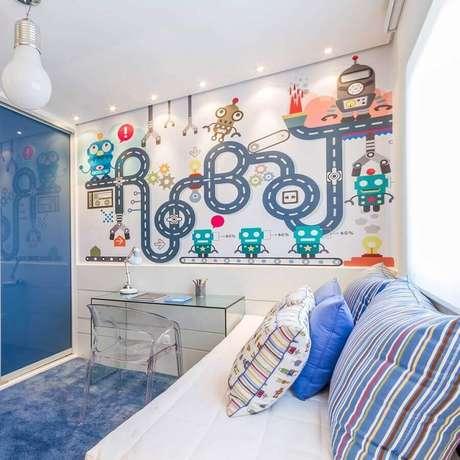 45. Papel de parede para quarto de criança com tema robôs para decoração azul e branca – Foto: Pinterest