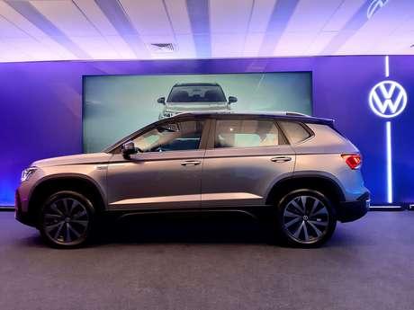 Com 7 cm a mais no comprimento e 4 cm a mais no entre-eixos, Volkswagen Taos tem maior espaço interno.