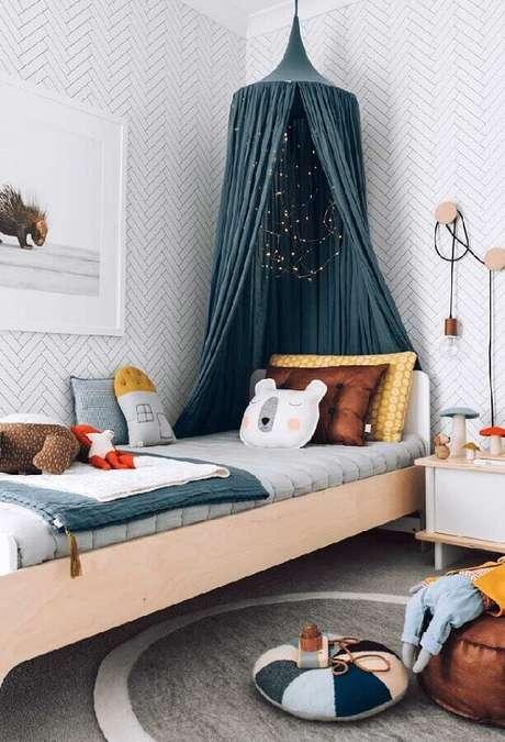 42. O dossel para cama deixa a decoração para quarto de criança super charmosa – Foto: Pinterest
