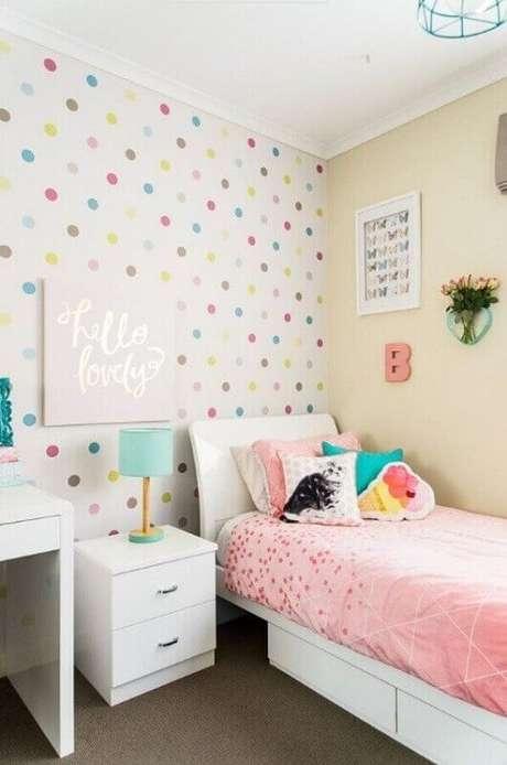 12. Papel de parede de bolinhas coloridas para decoração de quarto para criança – Foto: Pinterest