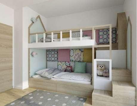 37. Beliche planejada em formato de casinha para decoração de quarto para criança – Foto: Eu Decoro