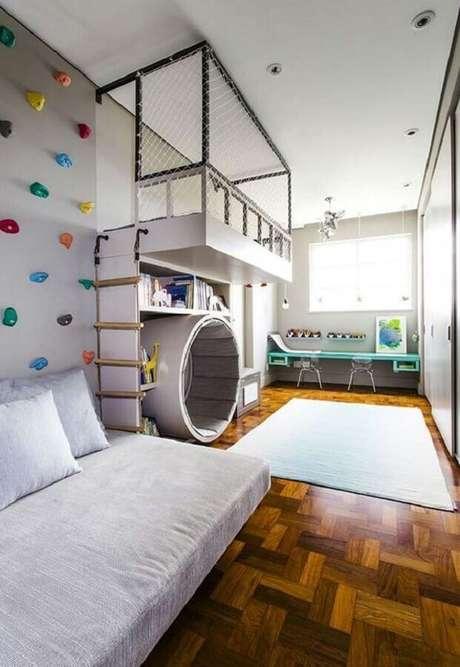 8. É importante que o quarto para criança tenha um cantinho onde ela possa brincar e estudar – Foto: Pinterest