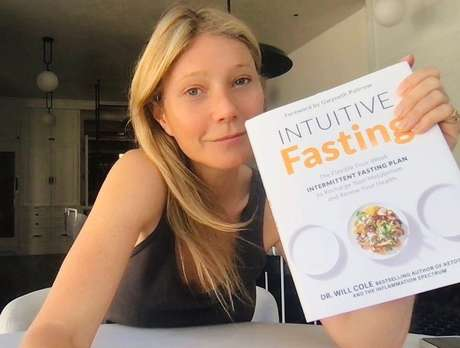 Gwyneth Paltrow revolta médico com dicas para curar covid-19