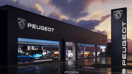 """Novo logotipo da Peugeot aplicado numa concessionária padrão: marca """"atemporal""""."""