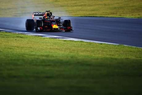O RB16B possui mudanças no bico e no assoalho, seguindo o regulamento da F1 para a atual temporada