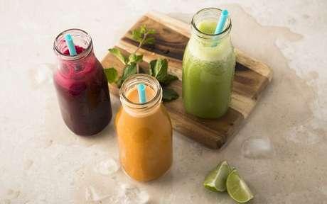 Descubra como fazer 5 sucos que vão melhorar sua saúde